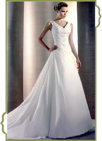 Klassisches Brautkleid von Weise im fachgeschäft